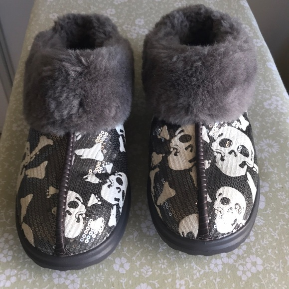 9d8a184ac4e UGG Skull I Heart Dream Sequin Gray Slippers.❤️